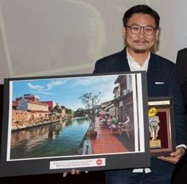 Air Asia receives Awards for Excellence 2013