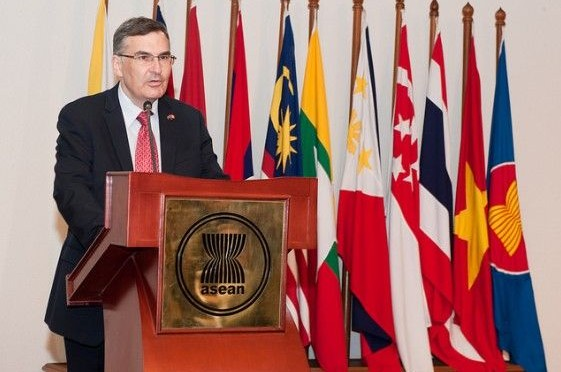 ASEAN and Canada discuss Progress of Partnership