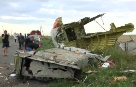 Int'l experts arrive in Ukraine to investigate MH17 crash