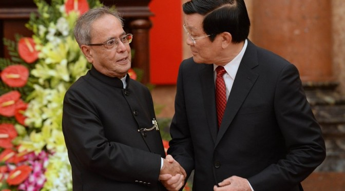 "Indian President says Vietnam important in ""Look East"" policy"