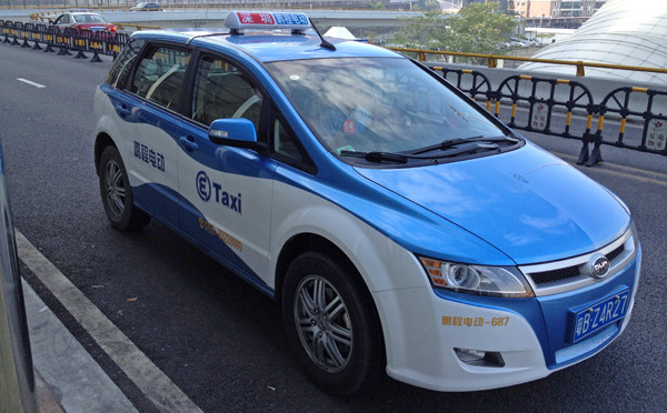 Shenzhen: 4,500 electric-powered taxis on the road