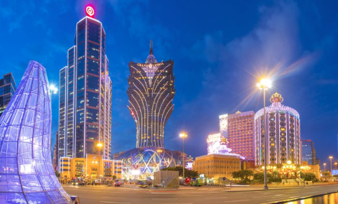 Macau's casinos experience revenue drop